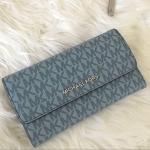 New Michael Kors jet set Large trifold wallet